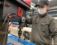 工場勤務の外国人技能実習生